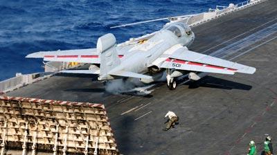 ea-6b prowler portarei uss enterprise