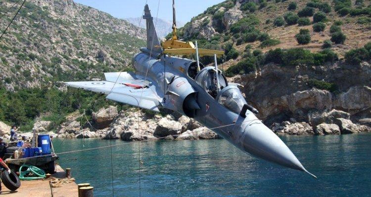 mirage 2000 greco recuperato dal mare egeo