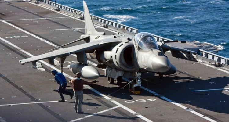 av-8b harrier su Nave Cavour
