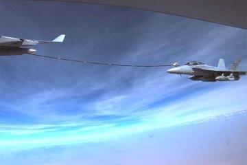 raf voyager rifornisce in volo gli f-18 e gli ea-18 della us navy