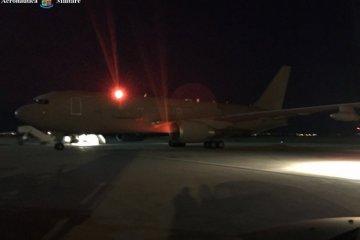 rientro connazionali dal nepal con aereo kc-767