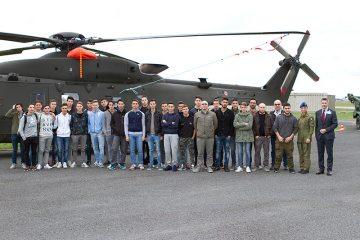 L'Aviazione dell'Esercito incontra gli studenti a viterbo