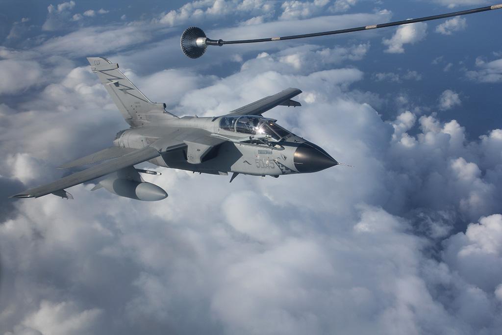 rifornimento in volo tornado aeronautica militare