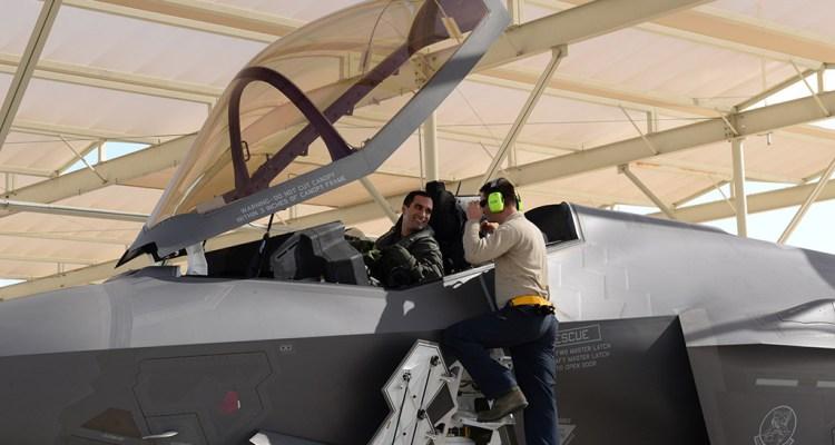 primi piloti italiani volano su f35