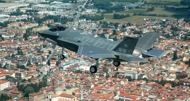 il primo f35 italiano arriva negli stati uniti