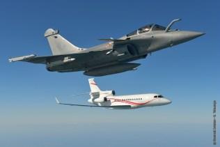 Falcon 7X e Rafale in formazione