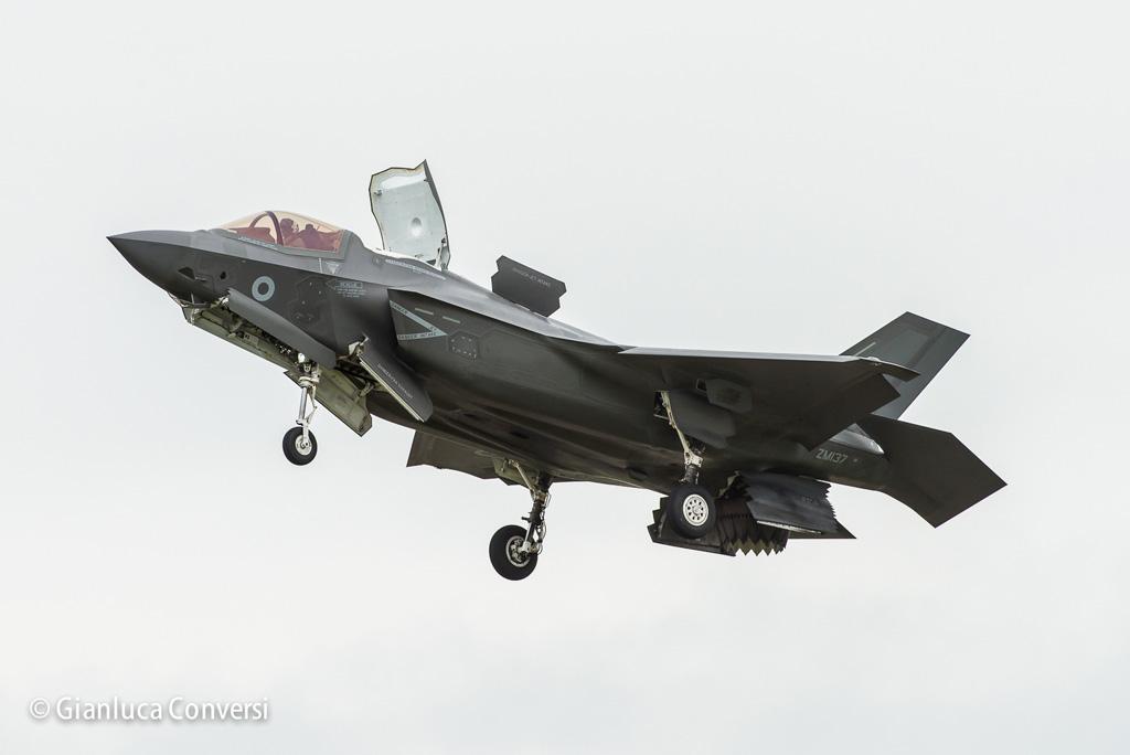 F-35B Royal Air Force atterraggio verticale