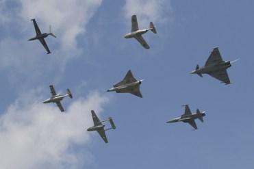 formazione aerei storici dello Swedish Air Force Historic Flight