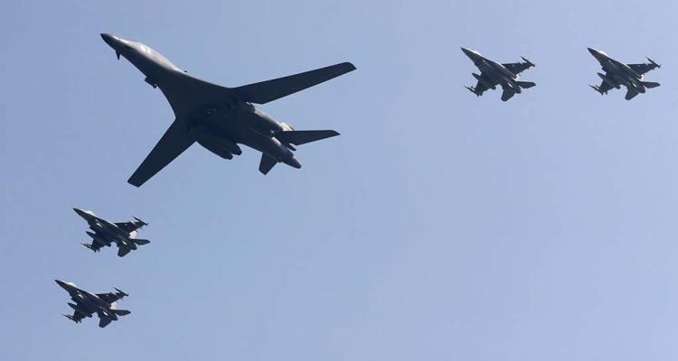 b-1-lancer-with-f-16s-osan