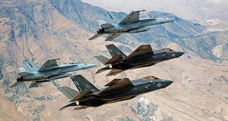 F-18 Super Hornet e F-35
