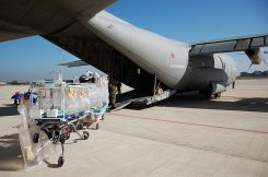 C-130 trasporto in bio contenimento