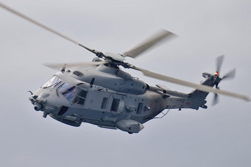 elicottero SH-90 Marina Militare
