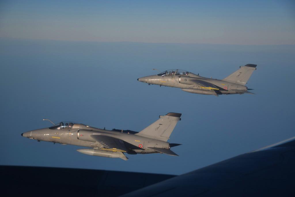 Coppia di AMX dopo il rifornimento in volo con il KC-767A