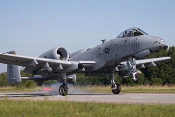 USAF A-10 Thunderbolt II autostrada in Estonia