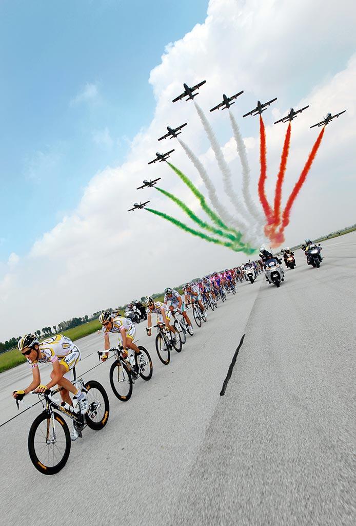 Calendario Frecce Tricolore 2020.Una Tappa Del Giro D Italia 2020 Partira Dalla Base Aerea Di