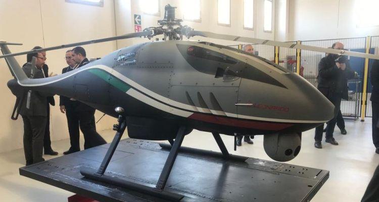 leonardo awhero elicottero a pilotaggio remoto