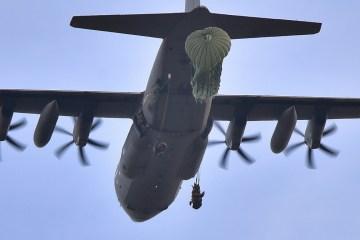 paracadutisti 185° reggimento artiglieria C-130J Hercules