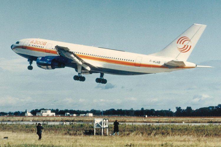Airbus A300B primo volo