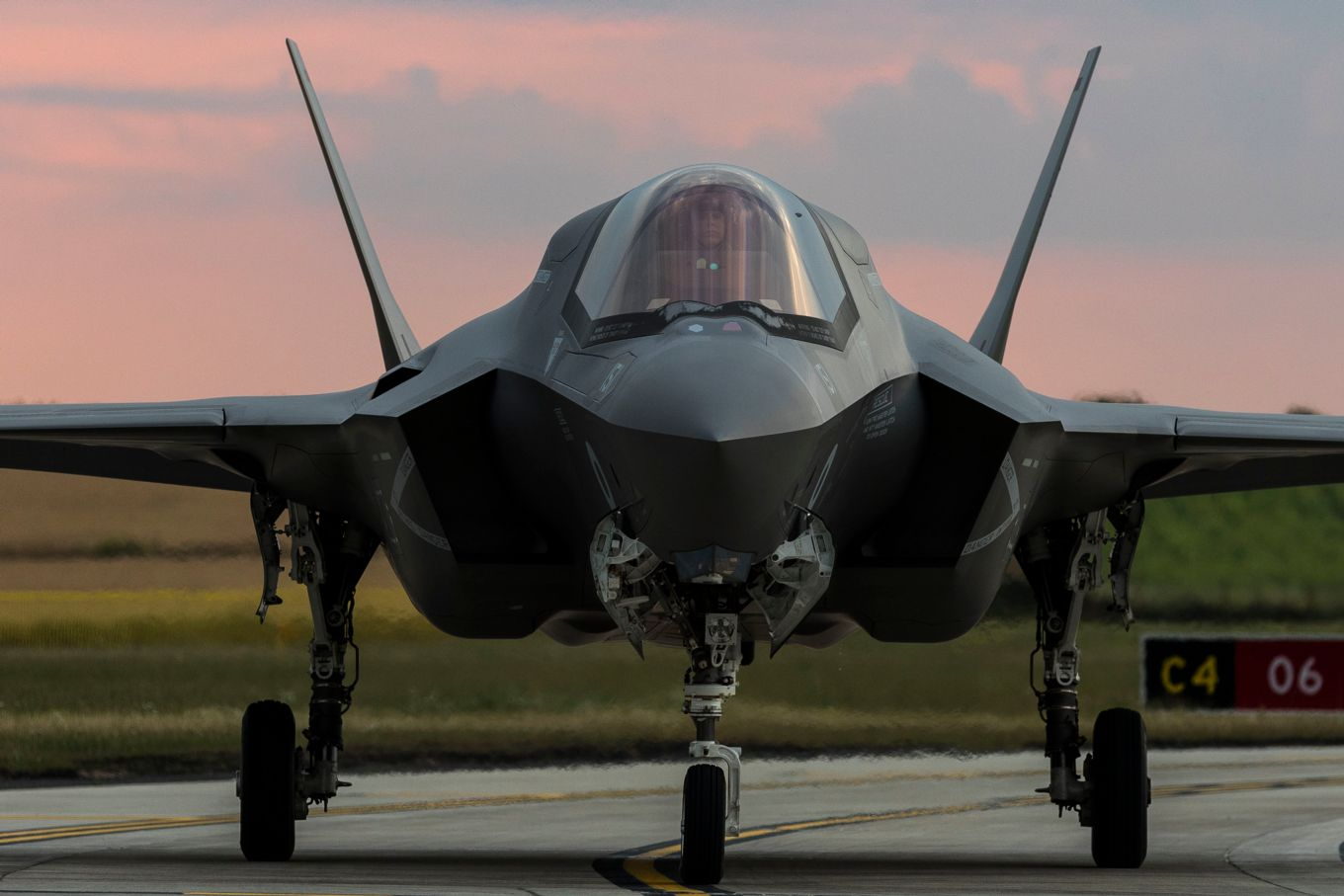F-35 Lighting jets from 207 Squadron arrive back to the UK at RAF Marham