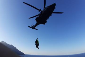Recupero con verricello HH-139 Aeronautica Militare