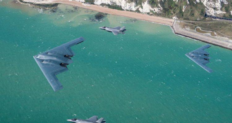 F-35B inglesi e B-2A americani