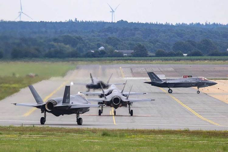 Addestramento congiunto F35 italiani e inglesi