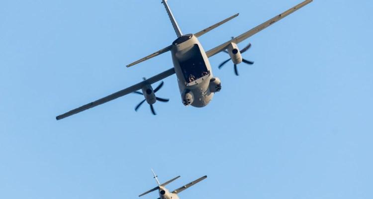 Formazione in volo tra C-27J, M-345 e M-346