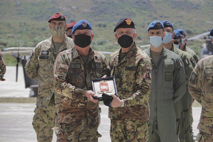 Foto-3-Il-Capo-di-SME-e-il-Comandante-dell'Aviazione-dell'Esercito
