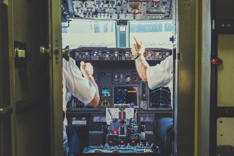 cockpit aerei civili