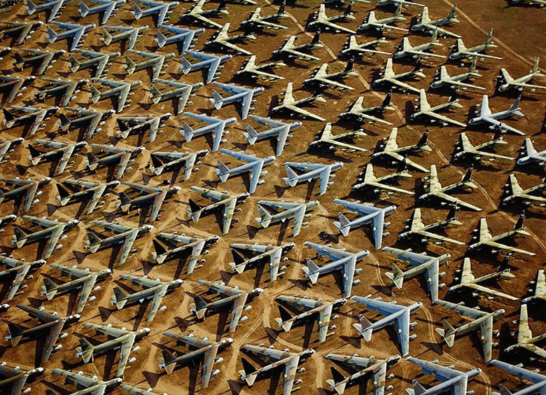 Boeing%20B-52s%20are%20stored%20at%20the%20military%20aircraft%20boneyard.jpg