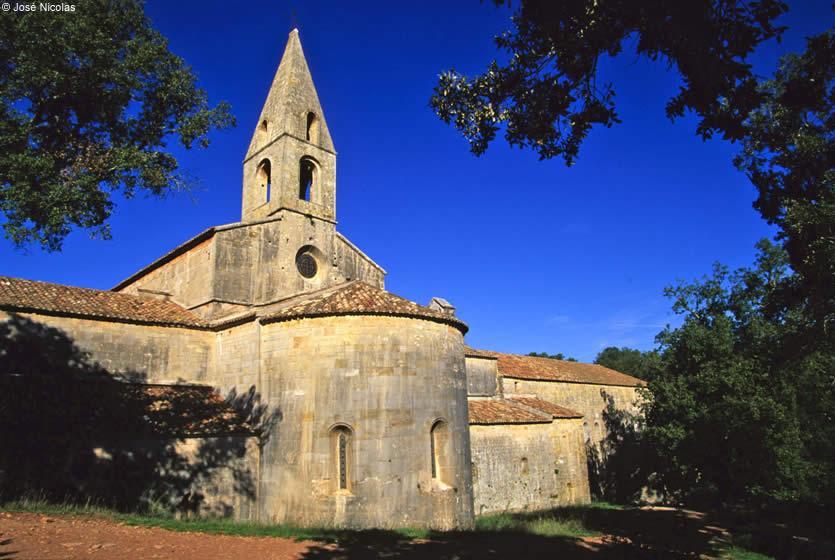 Abbaye du Thoronet  abbaye cistercienne en Provence  Avignon et Provence