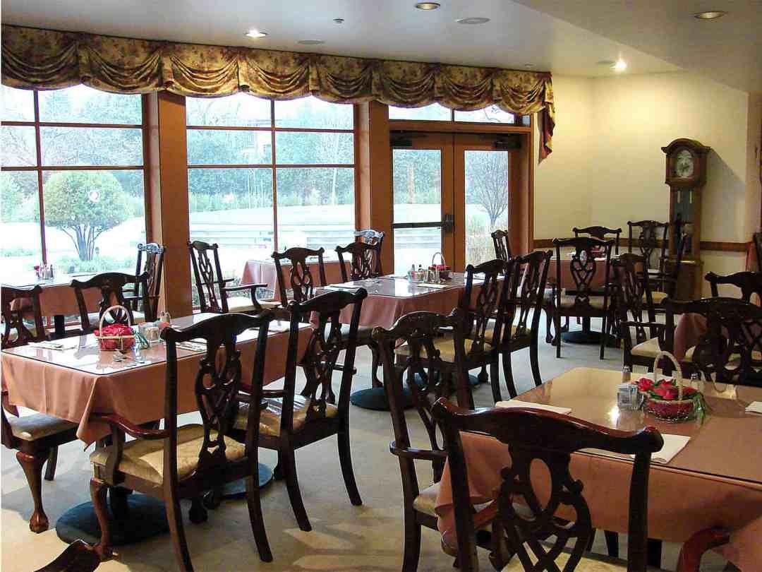avilagardens_atg_diningroom