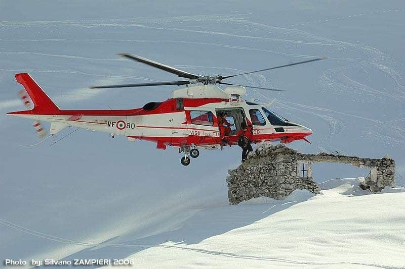 Foto elicottero dei Vigili del Fuoco A109