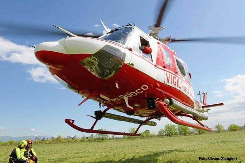 Foto elicottero dei Vigili del Fuoco AB412 Venezia