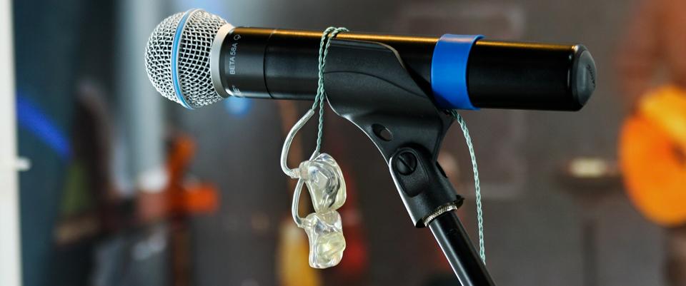IEMs-on-mic_960
