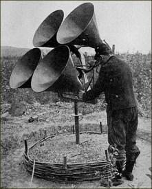 Détecteur acoustique sur pied - 4 cornets - WWI