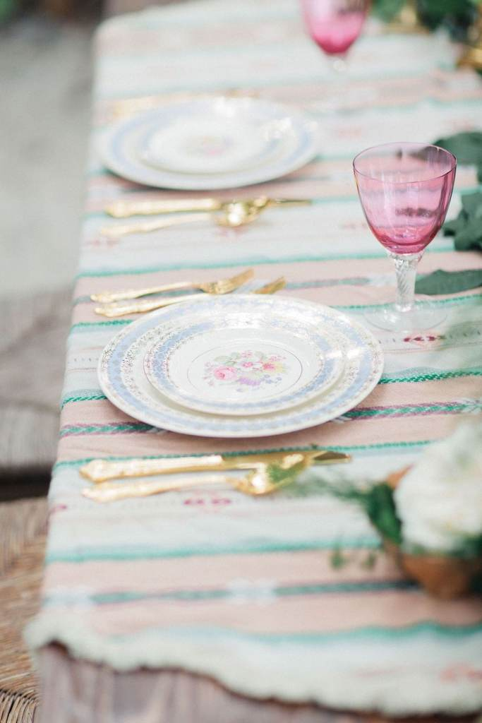 Organising a table setting