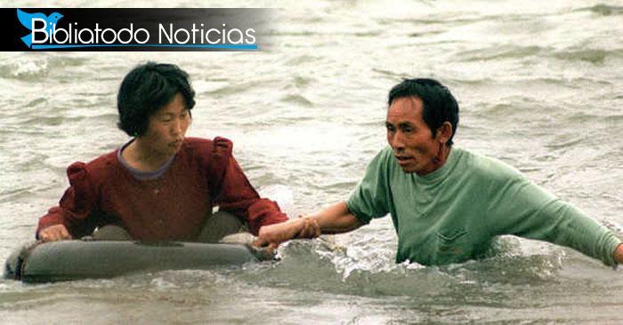 Arriesgando su vidas por Cristo: Coreanos utilizan medidas extremas para leer Biblia