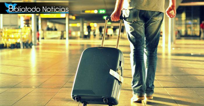 ¡Conmovedor! Padre reserva 6 vuelos para estar con su hija en vacaciones