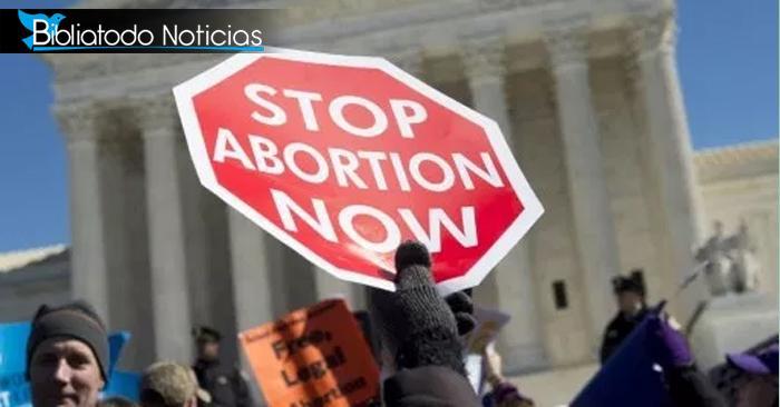 """Corte Suprema de EE.UU pone un """"alto"""" a la entrada en vigencia de la ley abortiva"""