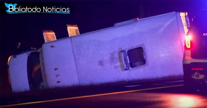 Librados de la muerte, pastor y varios de su congregación sobreviven a fatal accidente en carretera