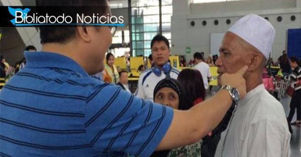 Pastor ora por un sordo en aeropuerto y recibe sanidad al instante