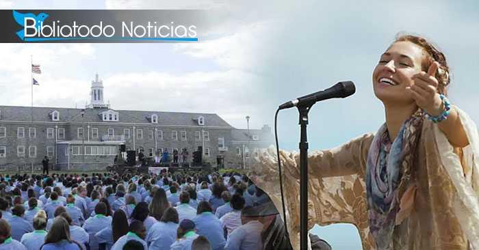Las mujeres del Reformatorio de Ohio en el concierto de la cantante Lauren Daigle donde fueron impactadas por el amor de Dios