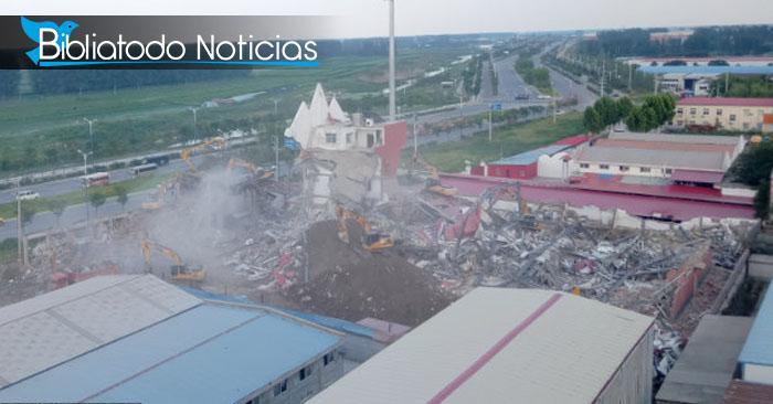 """La iglesia """"True Jesus Church"""" luego de ser demolida y reducida a escombros. El lugar piensa ser usado para crear un hogar para ancianos"""
