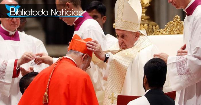 Papa Francisco nombra 13 líderes para la nueva religión mundial.