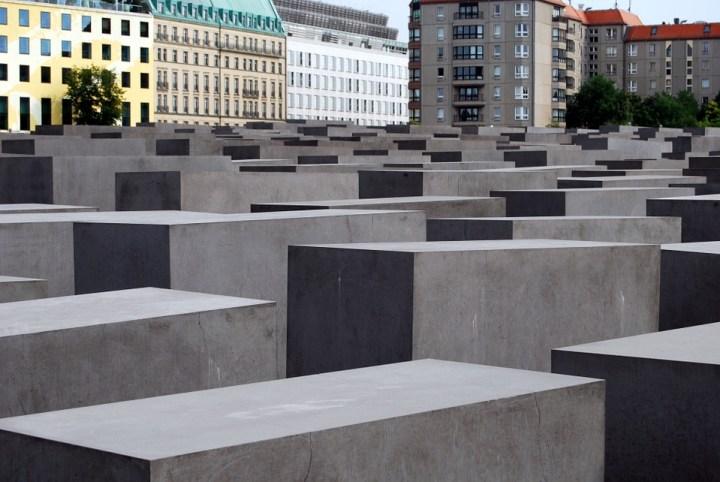 memorial-510156_960_720