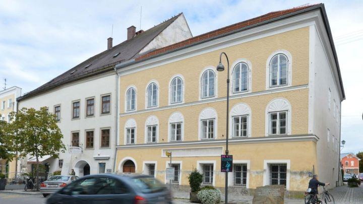 Austria-Hitler-House_Horo