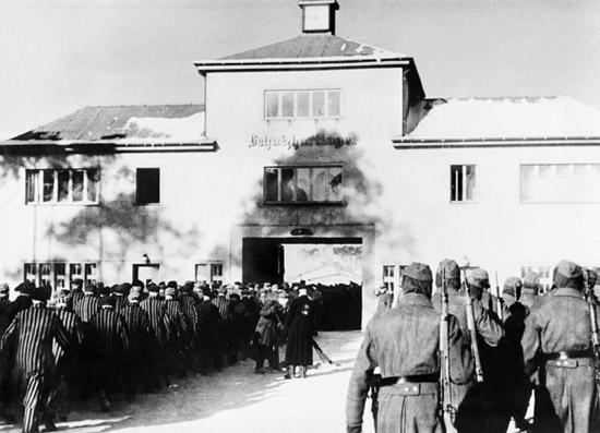 Le camp d'Oranienbourg-Sachsenhausen avant et pendant la seconde guerre mondiale.