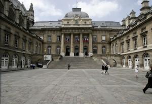1280px-Palais-de-justice-paris