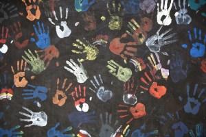 Diversity handprints 300x200 - Droit International et Européen des Droits de l'Homme